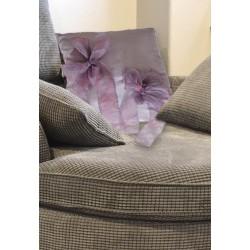 Cuscino taffetas lilla con fiocchi