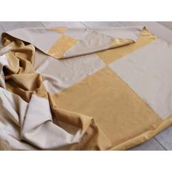 Tessuto misto seta con motivo a scacchi color oro e beige