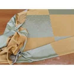 Tessuto misto seta con motivo a scacchi color grigio verde e oro
