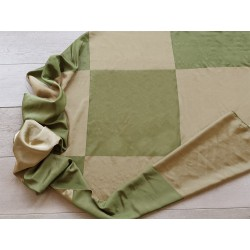 Tessuto misto seta con motivo a scacchi color verde oliva e oro verde