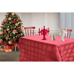 Focus red tablecloth